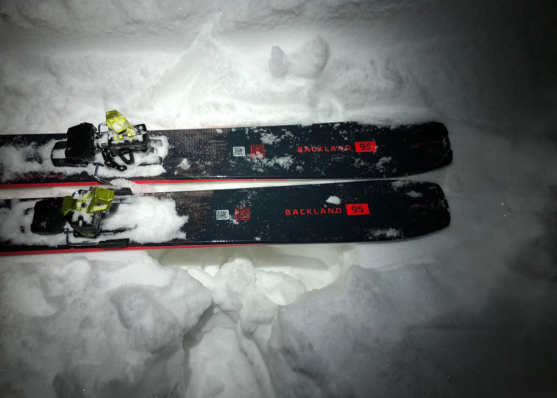 Der Atomic Backland ist der perfekte Touren-Ski für mich. Das Erlebnis im Schnee ist auch für mich als «durchschnittlicher» Tiefschneefahrer ein echtes Highlight. Der Ski ruft eindeutig nach «ich will gefahren werden»! Vielen Dank liebes Sport Baumann Team!